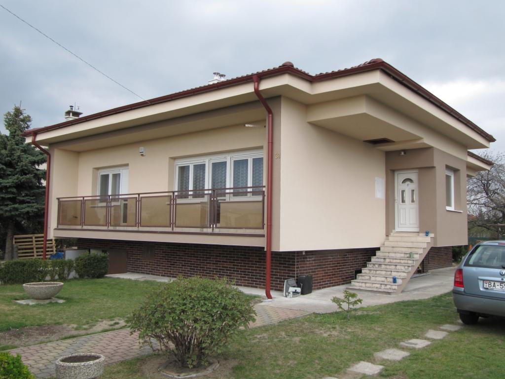 Návrh strešnej konštrukcie na existujúci rodinný dom, Vajnory